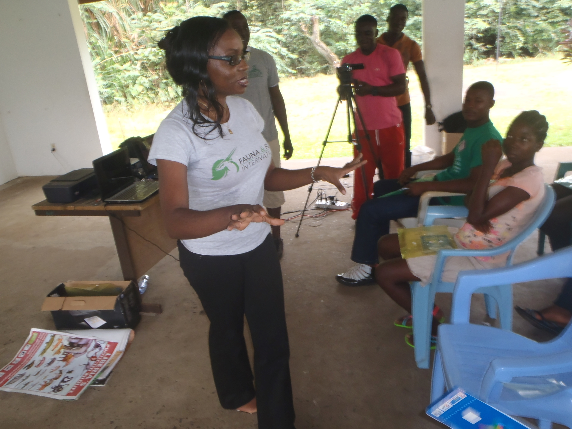 Mary-Molokwu-teaching-at-a-school-conservation-club
